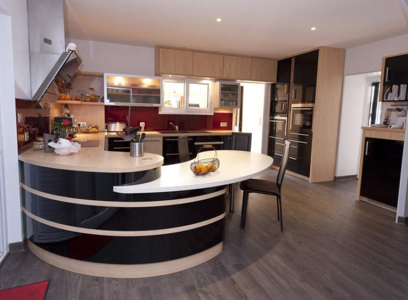 Faire installer une cuisine quip e for Modeles cuisines equipees