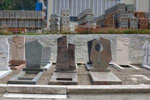 Découverte des différentes pierres tombales